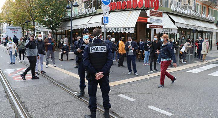 وزير الداخلية الفرنسية: هناك احتمال لوقوع المزيد من الهجمات