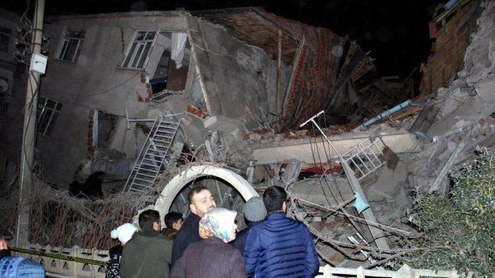 ارتفاع حصيلة زلزال إزمير لـ12قتيلا و 419 جريحا