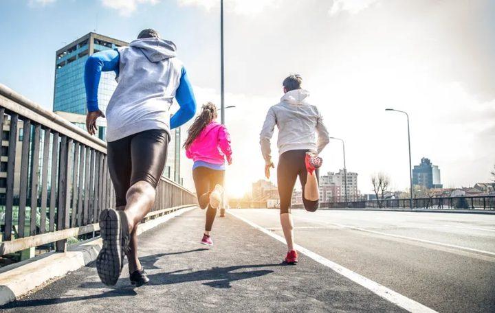 الجري أم المشي لإزالة الكرش؟