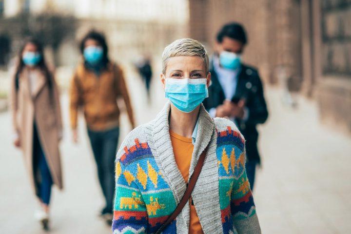 لماذا يحب فيروس كورونا البقاء في الفم ؟