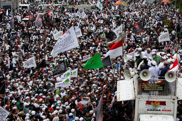 اندونيسيا مظاهرات تطالب ماكرون بالاعتذار وتدعو لطرد السفير