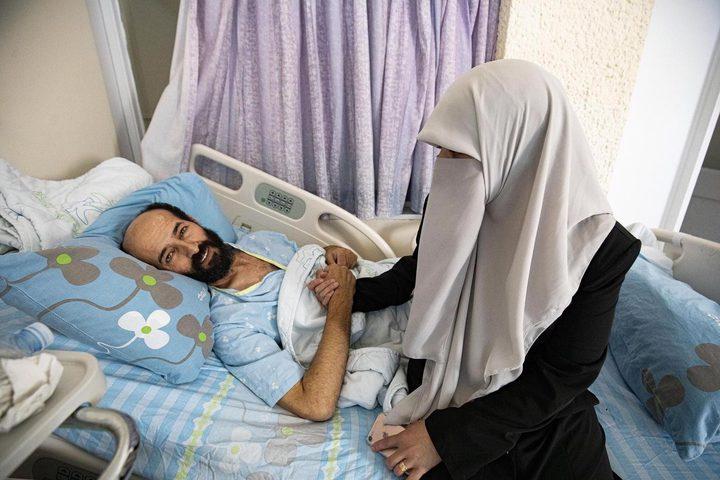 زوجة الأسير الأخرس: وضعه الصحي يزداد سوءًا يوما بعد يوم