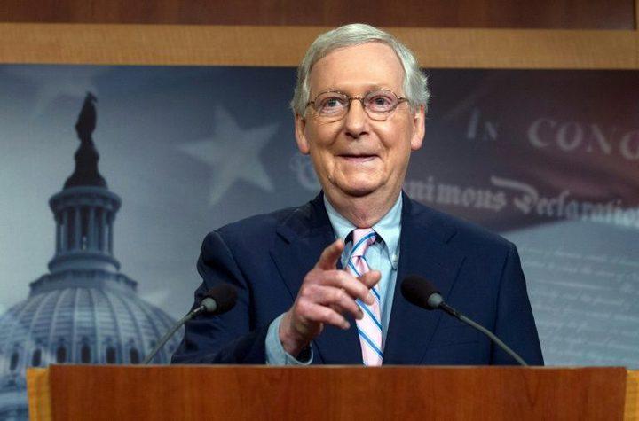 زعيم الغالبية الجمهورية يحتفظ بمقعده في مجلس الشيوخ