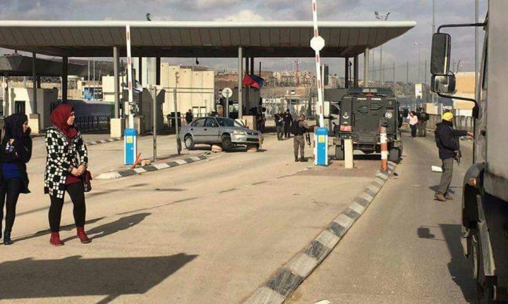 القدس:الاحتلال يغلق حاجز قلنديا في كلا الاتجاهين