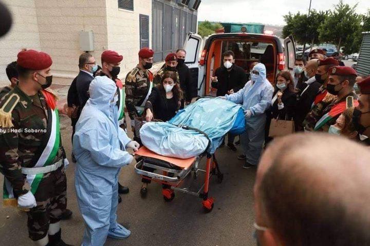 وصول جثمان د. صائب عريقات إلى المستشفى الاستشاري برام الله