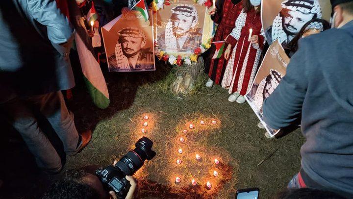 أشبال وزهرات فتح يوقدون الشموع في ذكرى استشهاد أبو عمار