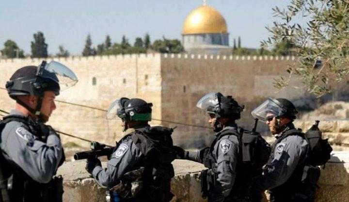 الاحتلال يواصل التصعيد: اقتحام للأقصى واخطارات بالهدم