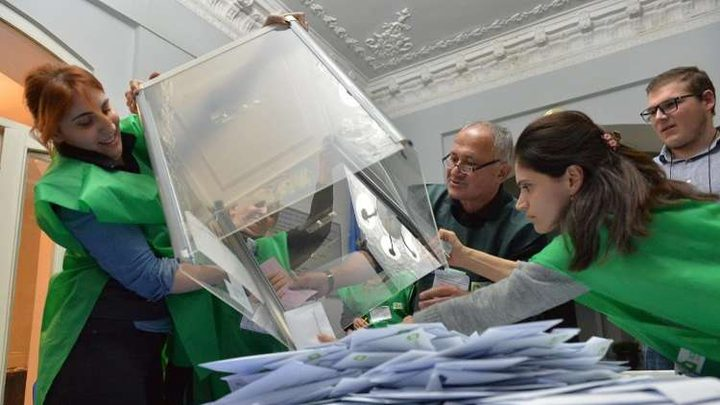 ولاية جورجيا تقرر إعادة فرز كاملة للأصوات الانتخابية