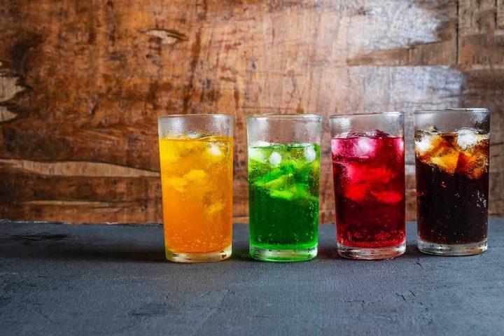 """باحثون يكشفون وهم فوائد """"المشروبات الغازية من دون سكر"""""""