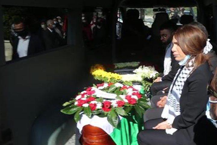 جانب من تشييع جثمان د. صائب عريقات