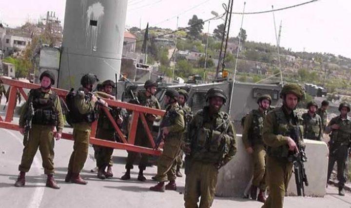قوات الاحتلال تغلق مدخل مدينة أريحا الجنوبي