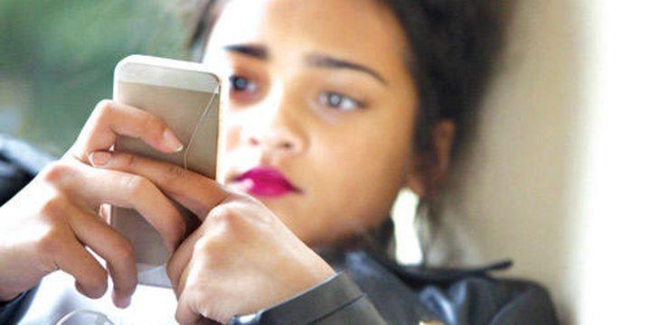 ما علاقة الاكتئاب باستخدام الهواتف الذكية؟