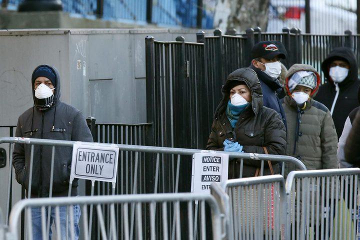 تسجيل 24962 إصابة و168 وفاة جديدة بفيروس كورونا في بريطانيا