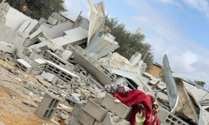الاحتلال يهدم منزلاً في النقب