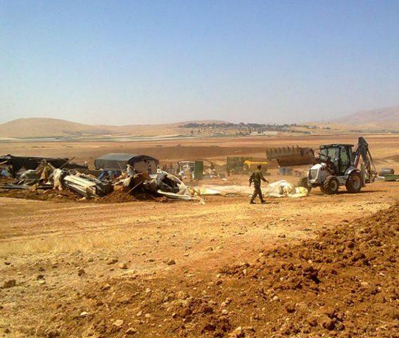 الاحتلال يهدم منشأة سكنية بالأغوار الشمالية
