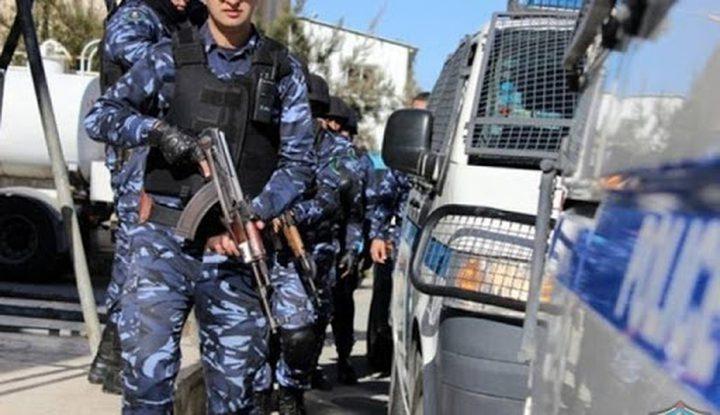 الشرطة تقبض على مطلوبين للعدالة وتضبط مركبات غير قانونية في جنين