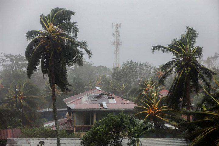شاهد الرياح تمزق سقف بناية أثناء إعصار في نيكاراغوا