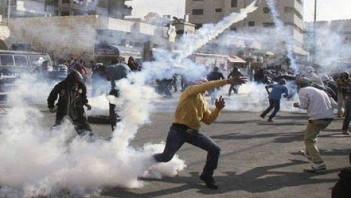 الخليل: إصابة طفل بالرصاص معدني خلال مواجهات مع الاحتلال