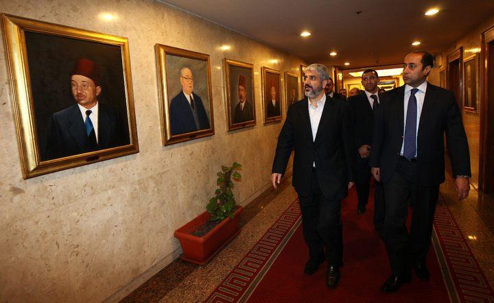 صحف تسلط الضوء على طموح مشعل للعودة لرئاسة حماس مجدداً