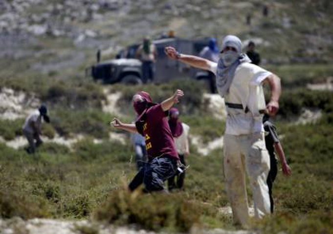 مستوطنون يختطفون طفلاً من قرية بيت دجن شرق نابلس