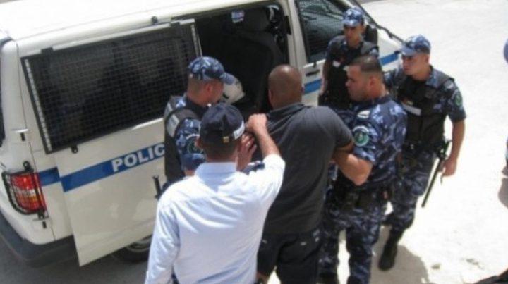 نابلس: القاء القبض على مطلوب بقضايا اتجار مخدرات