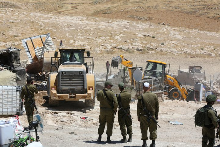 الاحتلال يطرد عائلات فلسطينية في الأغوار