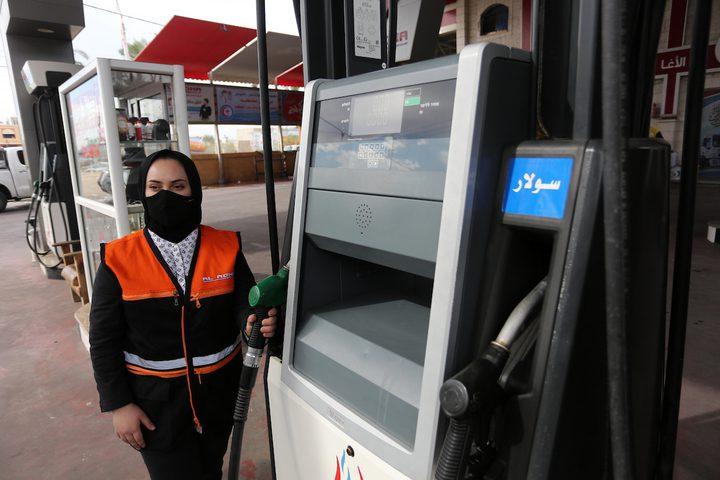 الطفلة سلمى النجار 16 عامًا من خان يونس .. تعمل في محطة وقود لمساعدة أهلها