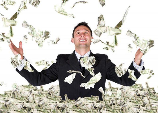 قائمة أغنى خمس أشخاص في العالم