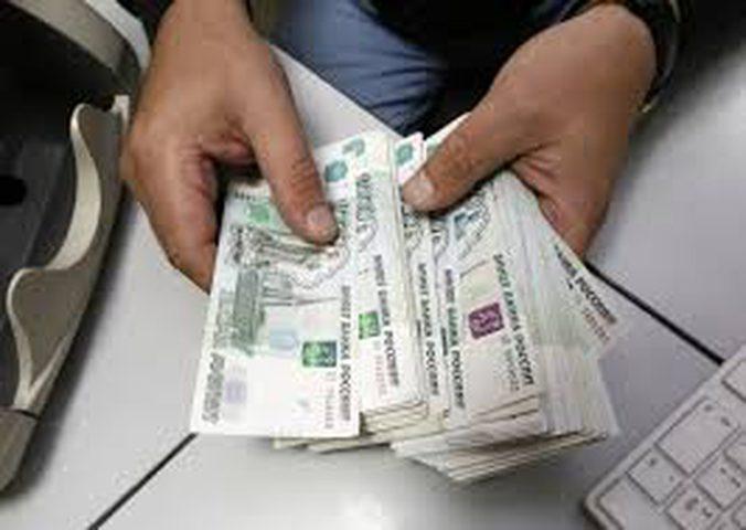 الروبل يصعد أمام الدولار ويتراجع مقابل اليورو