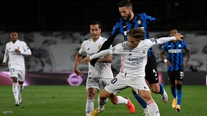 """ريال مدريد يعود بثلاث نقاط ثمينة من ملعب """"سان سيرو"""""""