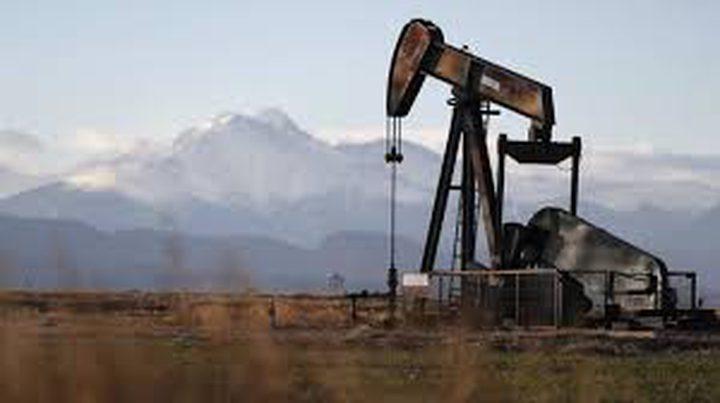 النفط يتراجع مع انحسار موجة الصعود