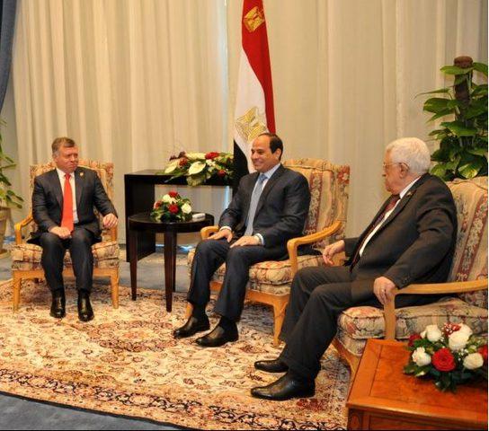 الرئيس عباس يجتمع غدا بالعاهل الأردني والاثنين بنظيره المصري
