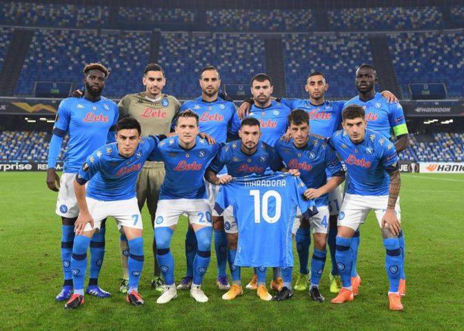 نابولي يواجه روما بقميص الأرجنتين تكريما لمارادونا