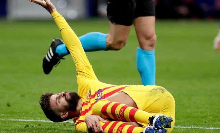 """مدافع برشلونة بيكيه يتخذ """"أخطر"""" قرار في مسيرته"""