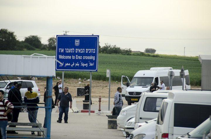 """الاحتلال يسمح بادخال 12 حافلة و8 شاحنات لغزة عبر """"ايرز"""""""