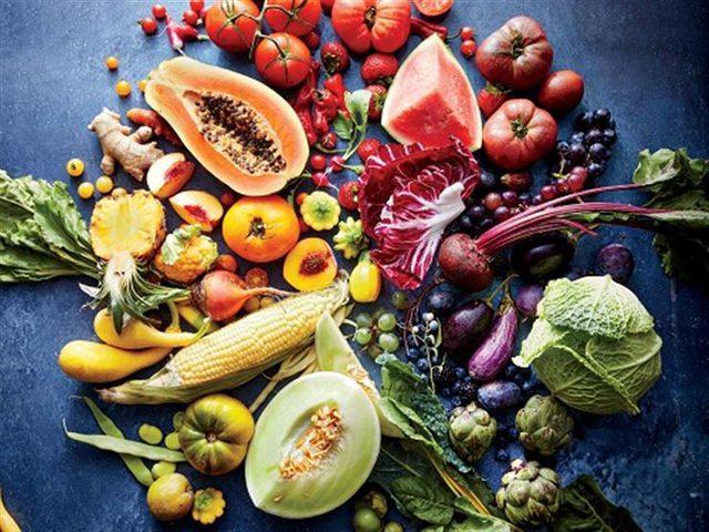 6 أطعمة تقضي على الشيخوخة وتجعلك دائما في سن الشباب