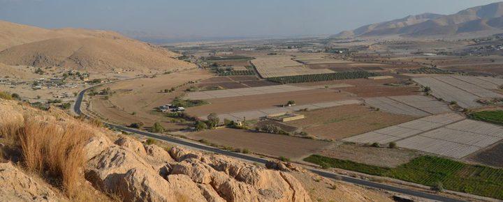 الاحتلال يشرع بمسح نحو 35 ألف دونم في الأغوار