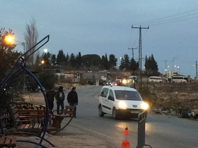 الاحتلال يشدد إجراءاته العسكرية على حاجز دير بلوط