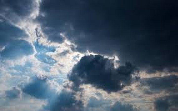 الطقس: انخفاض على درجات الحرارة وفرصة لأمطار متفرقة