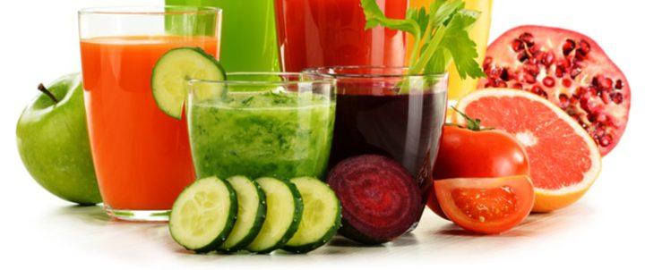 أكل الخضار أم شرب عصيرها.. أيهما أفضل لخسارة الوزن؟