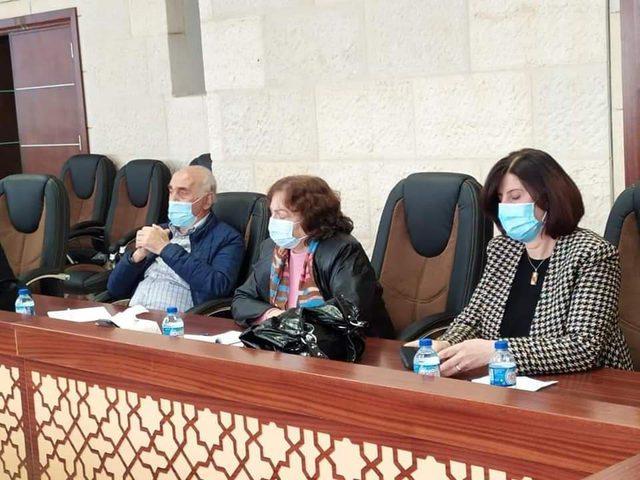 اجتماع طارئ لتدارس تداعيات الوضع الوبائي في محافظة نابلس