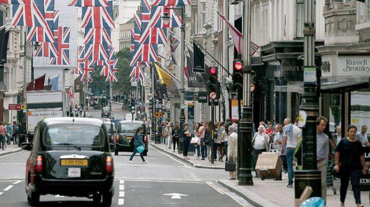 بريطانيا تسجل مستوى قياسيا بتسريح العمالة