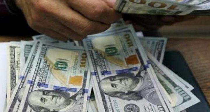 كورونا يبقي على مليارات الدولارات في جيوب الروس
