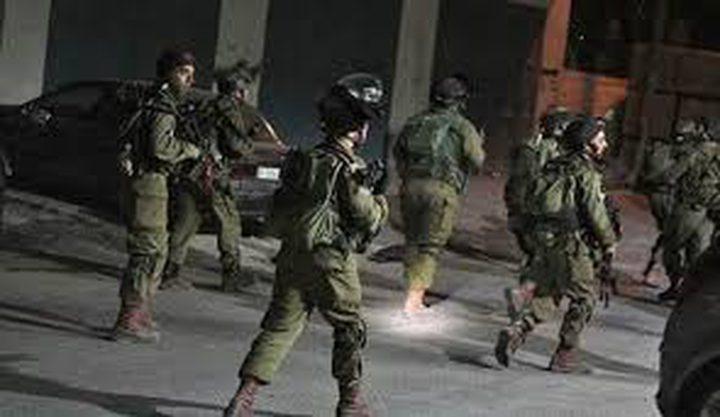الاحتلال يعتقل مواطنا ويعتدي على اثنين آخرين بالضرب في سلفيت