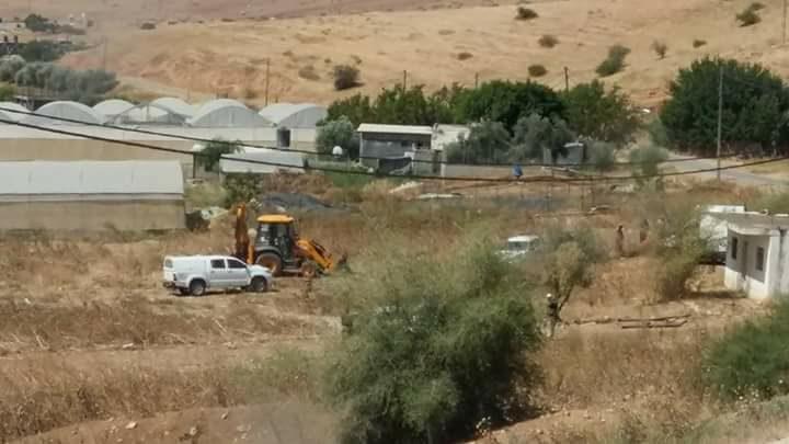 مستوطنون يجرفون أراضي جنوب نابلس