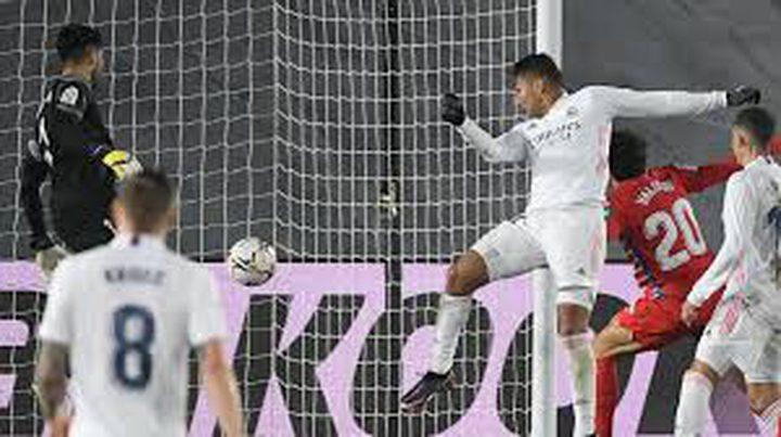 ريال مدريد يواصل صحوته بالفوز على غرناطة