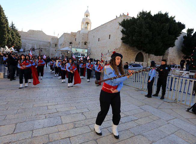 الكنائس المسيحية الغربية تبدأ احتفالاتها بعيد الميلاد المجيد