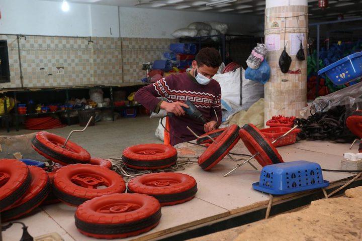 صناعة ألعاب الأطفال في مصنع بلاستيك بخانيونس جنوب قطاع غزة