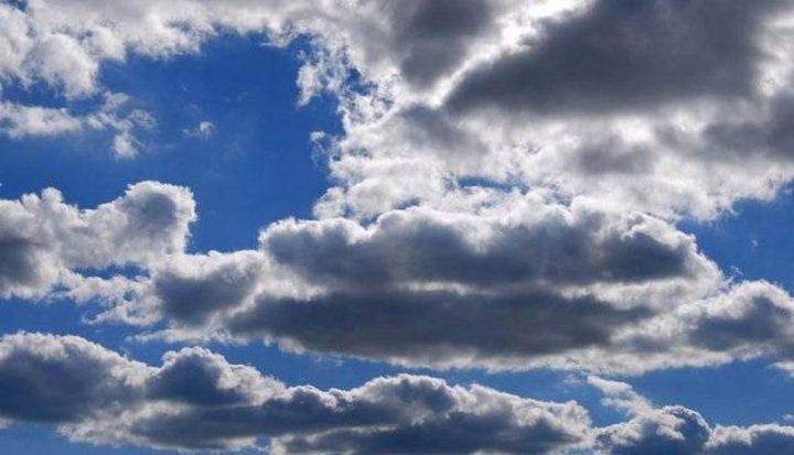 الطقس: أجواء غائمة جزئيا إلى صافية وباردة نسبيا