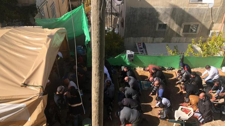 القدس: العشرات يعتصمون في حي بطن الهوى رفضا لقرارات الاحتلال